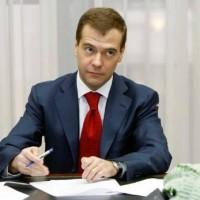 Медведев о пенсиях, квартирах и численности армии